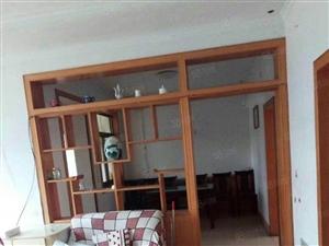 怡海小区多层二楼、三室、设施齐全、有储藏室、有钥匙随时看房