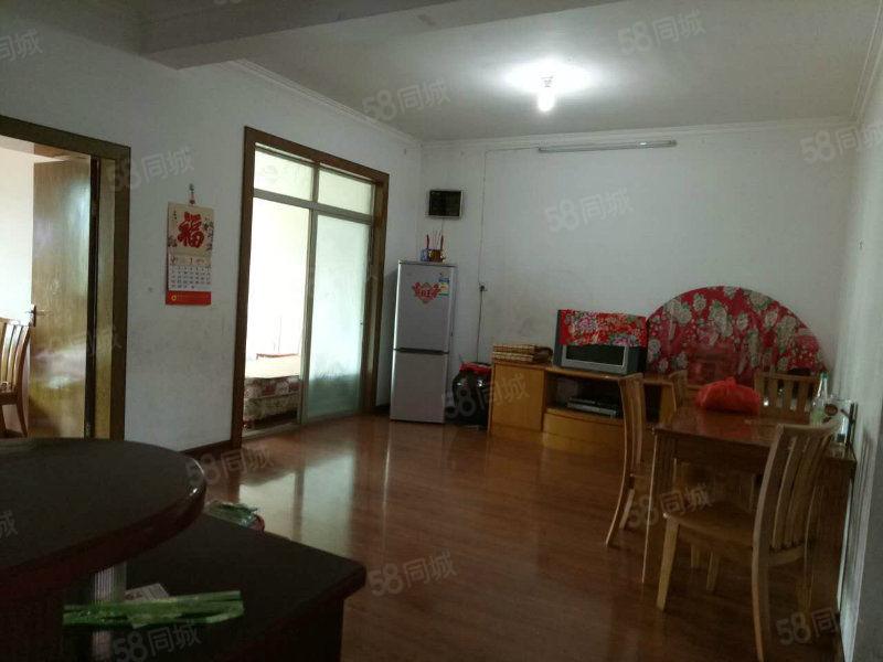 三江口3房2卫95平方,简单舒适,50万可商。