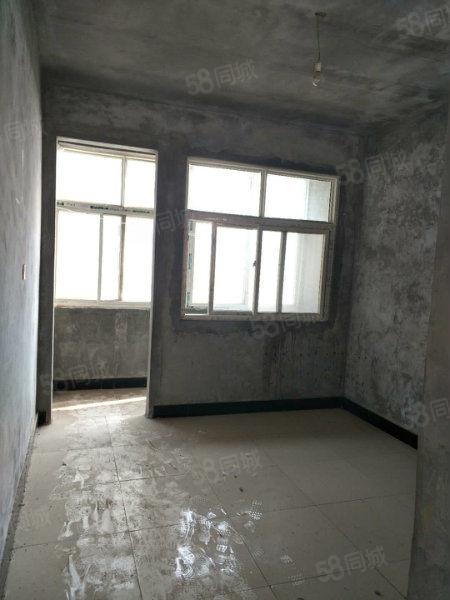 欧亚商贸城120平,3楼新房未装,全年阳光刺眼随时装修入住!