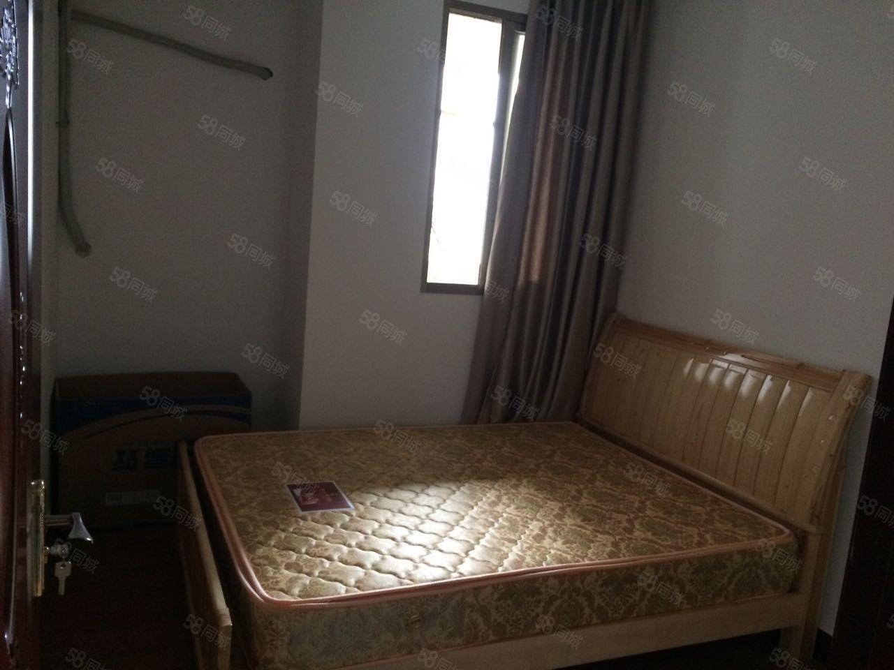 东湖御景两室一厅精装修设备齐全拎包入住地段好周边万达广场
