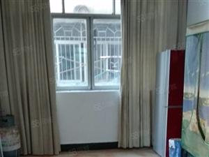 名泉小区三室两厅一卫1000出租