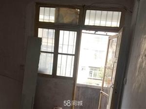 山阳县城关镇东隔壁四合院2室1厅1卫