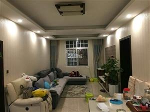市中心三室二厅一卫带空调出租3室2厅1卫