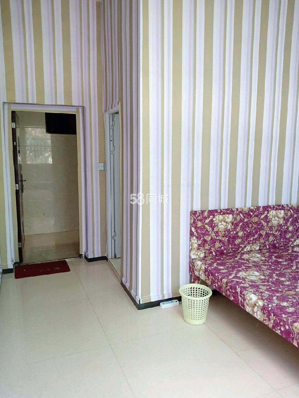 二1室0厅1卫
