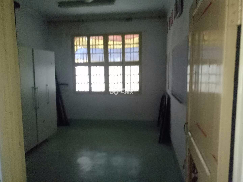 涡阳县国家税务局办税服务厅3室1厅1卫