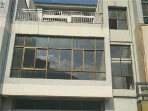 金鑫花园4室2厅3卫
