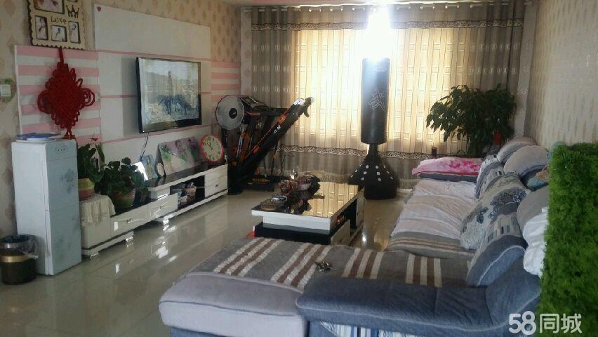 卢龙县蓝钻公馆3室1厅1卫