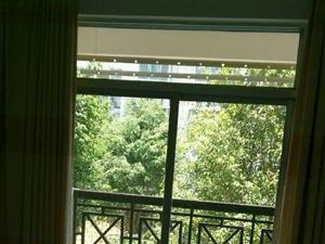 龙峡山小区4室2厅2卫
