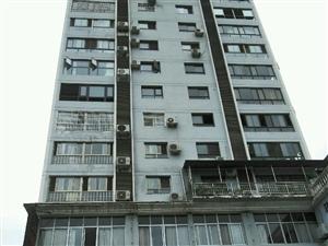 滨江大道江华酒店楼上电梯房3室2厅2卫