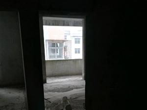 粱子岛卫生院职工小区2室2厅2卫