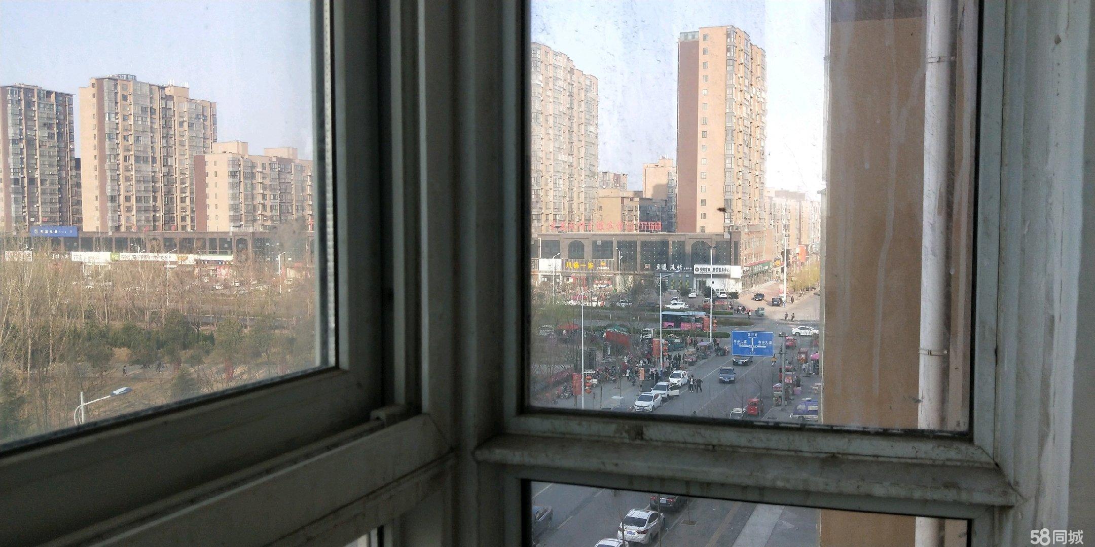 ��窝b修,�^景房,新都商城北�^3室2�d1�l