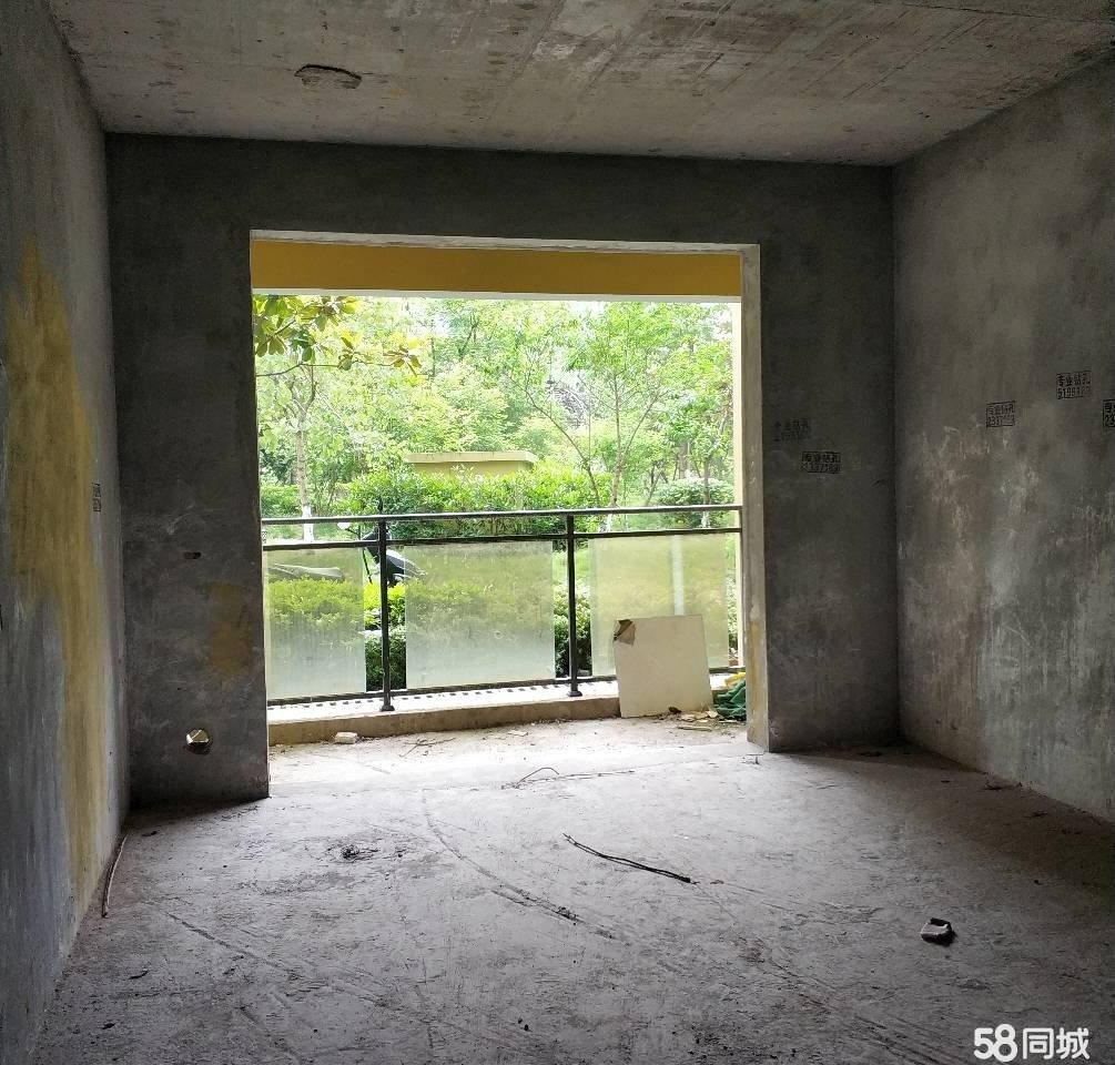 一栋一单元5楼, 清水房,外面有很宽的坝子