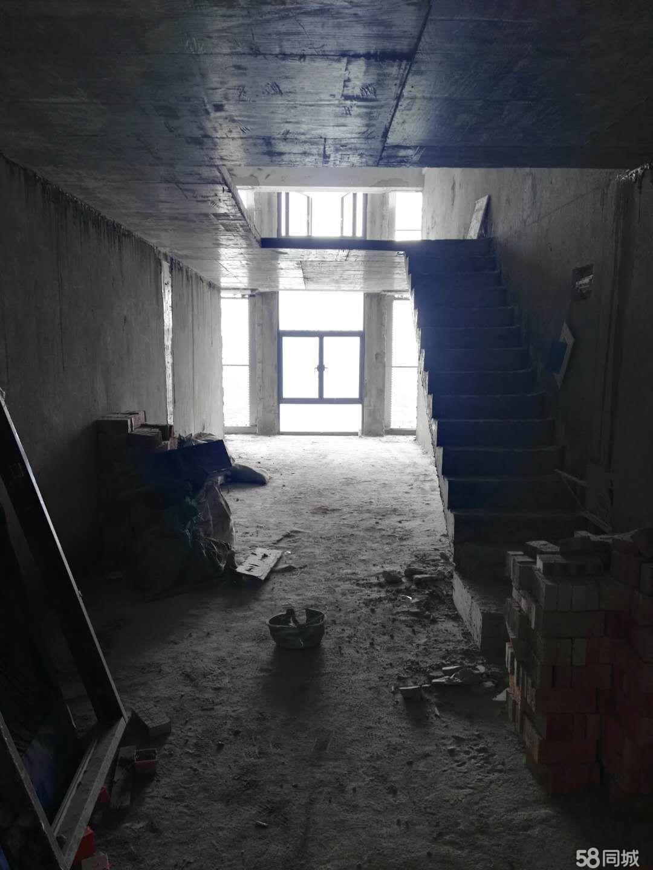 拓福广场5米挑高楼