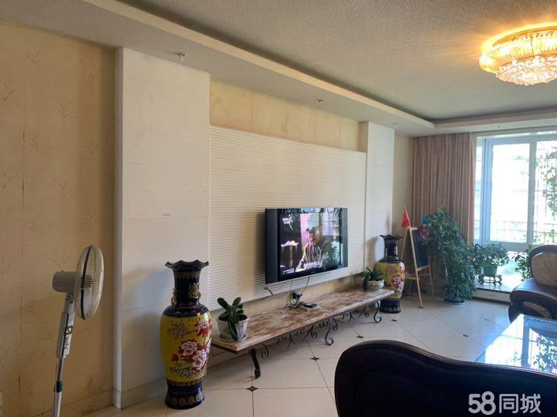 锦卫苑精装4房带车库降价15万急售