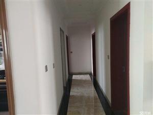 新警苑小区3室2厅2卫