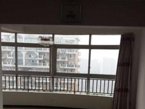 西郊滨江国际B区2室2厅110平米精装修押一付三