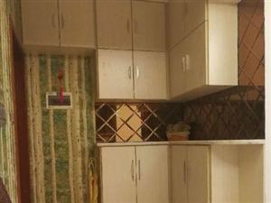 西郊滨江国际B区3室2厅120平米精装修押一付三