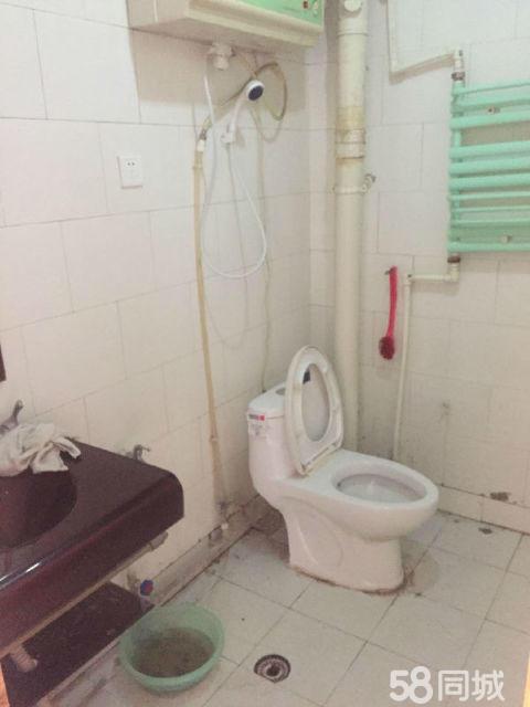 武山地税局家属楼3室2厅96平米中等装修押一付三