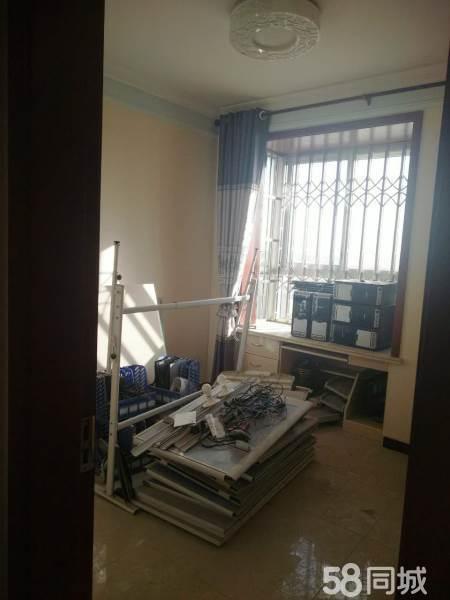 稀缺优质房源,亿龙金河湾70万3室2厅2卫豪华装修