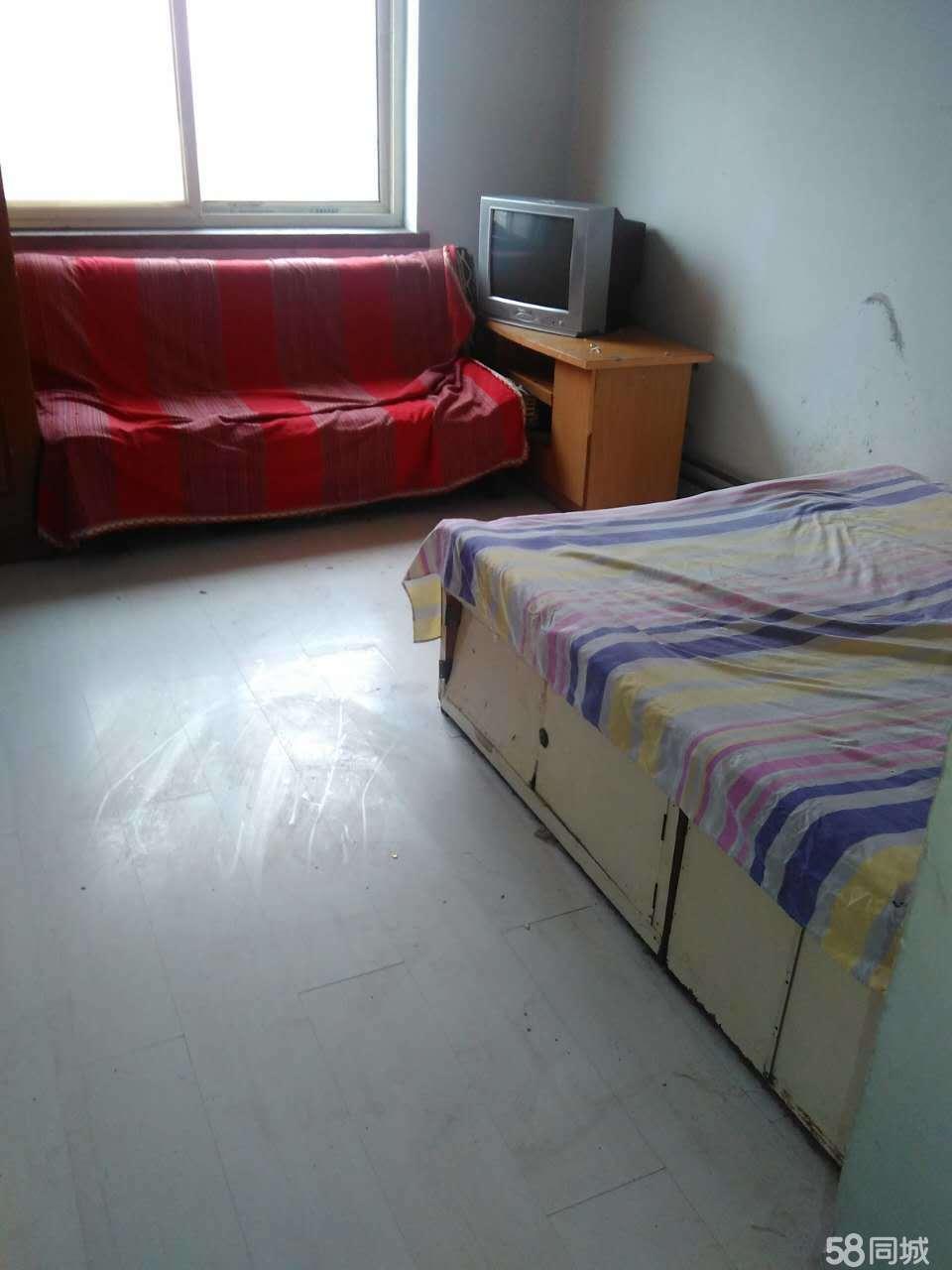 胜利小学附近1室1厅40平米简单装修押一付一