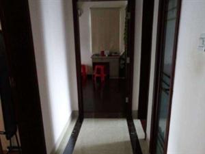 枫丹白露附近的公务员小区和风江岸3室2厅2卫123平米
