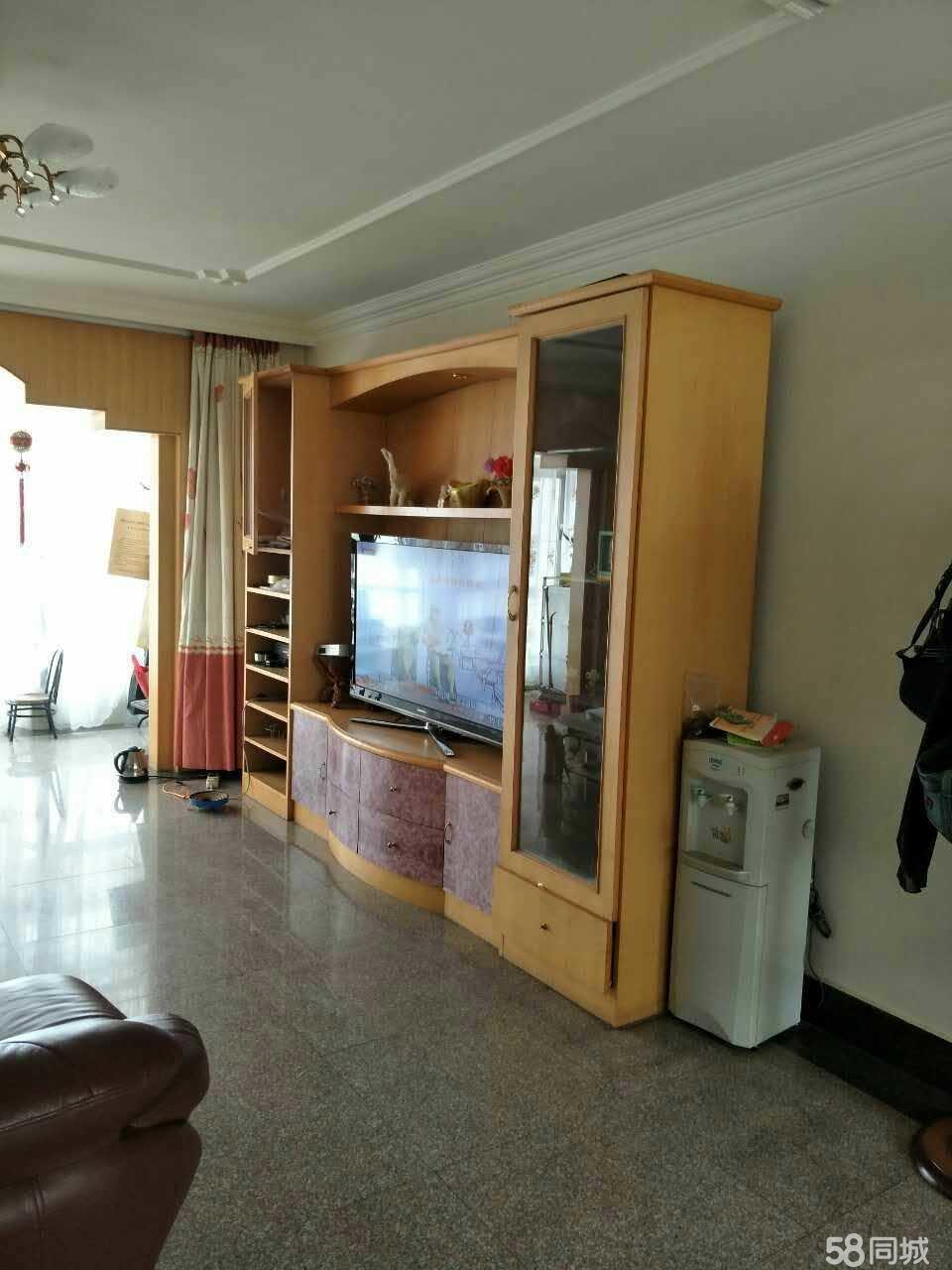 红塔北苑A区4室2厅2卫137㎡