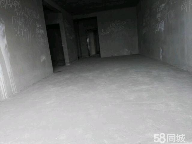 城南中厚新苑3室2厅2卫138平方56万元