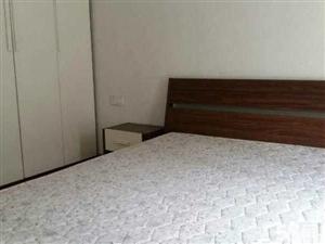 卫校附近天立滨河苑3室2厅精装修1900(小区环境好
