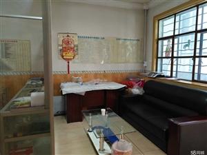 城区光明小区4室2厅2厨2卫216平米