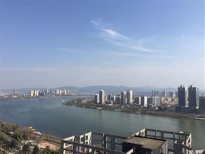竹园华府175.83平米绝版江景房,270度俯瞰汉江,产证满2年