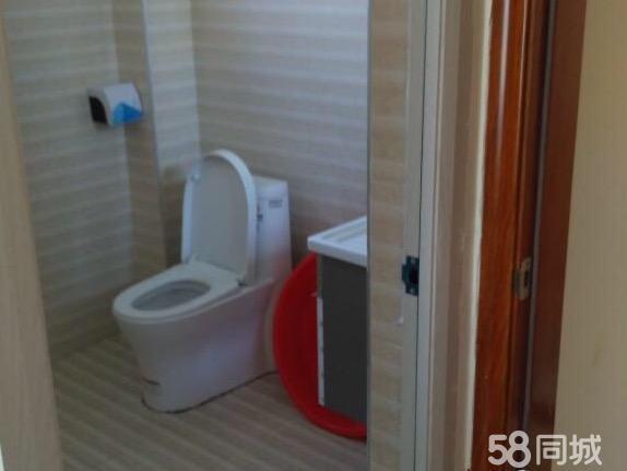 大学生公寓三房部分家电租1800