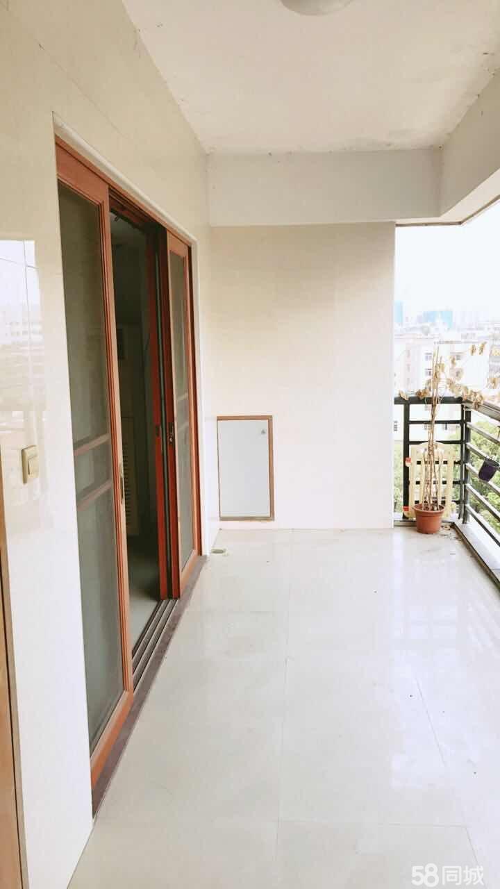 龙光花园3室2厅2卫