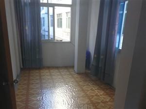 安静小区,低价出租,边贸附近500元1室0厅1卫普通装