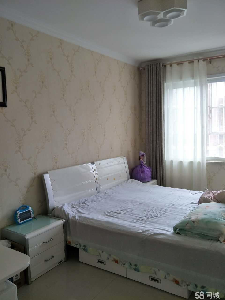 紫金华府3室2厅130平米豪华装修