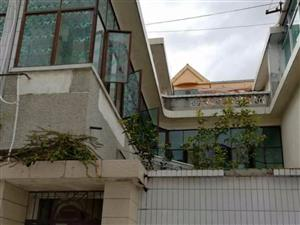 中国农业银行家属院5室2厅2卫