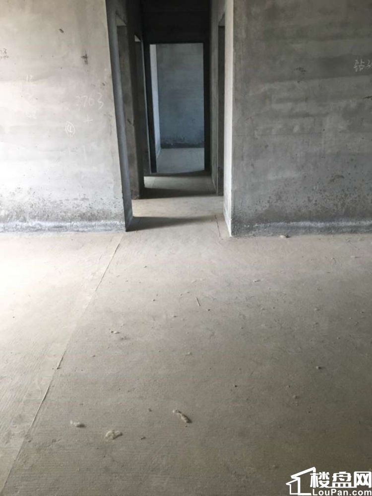 合益路  东辰雅园  毛坯3房  中高层   可看房