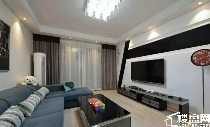 中海珑湾101平米三室两厅额外赠送19平米 带衣帽间和储存间