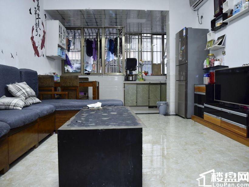 萬科錦夏綜合市場樓層好,視野寬闊 明年滿五少量欠款