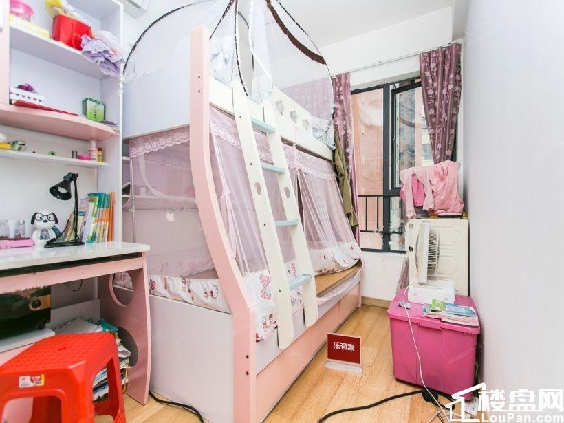 台湾北,萬科精裝兩房出售。首付3