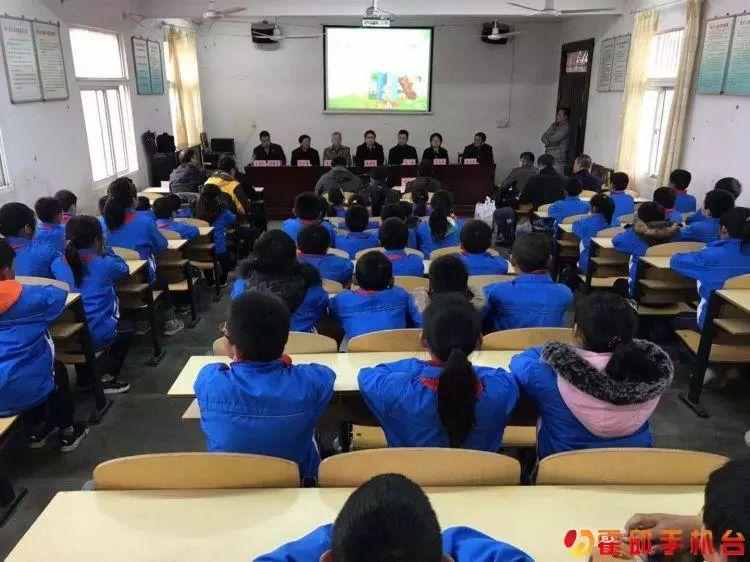 安徽第三届校园读书创作活动公益项目在霍邱启动!