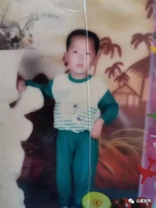 疑似21年前被拐�u福建泉州,今求�W友�兔�U散�ゆ�雄�H人!