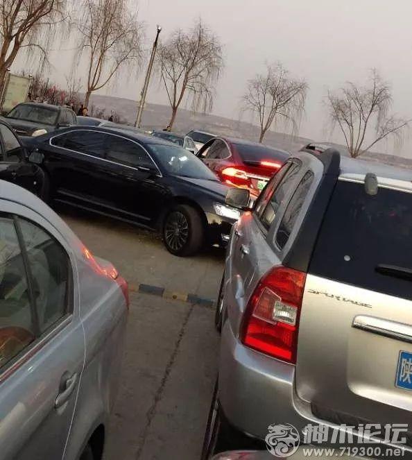 神友吐槽:京师附近堵车严重,求解决;女子6次盗窃超市内快递被抓