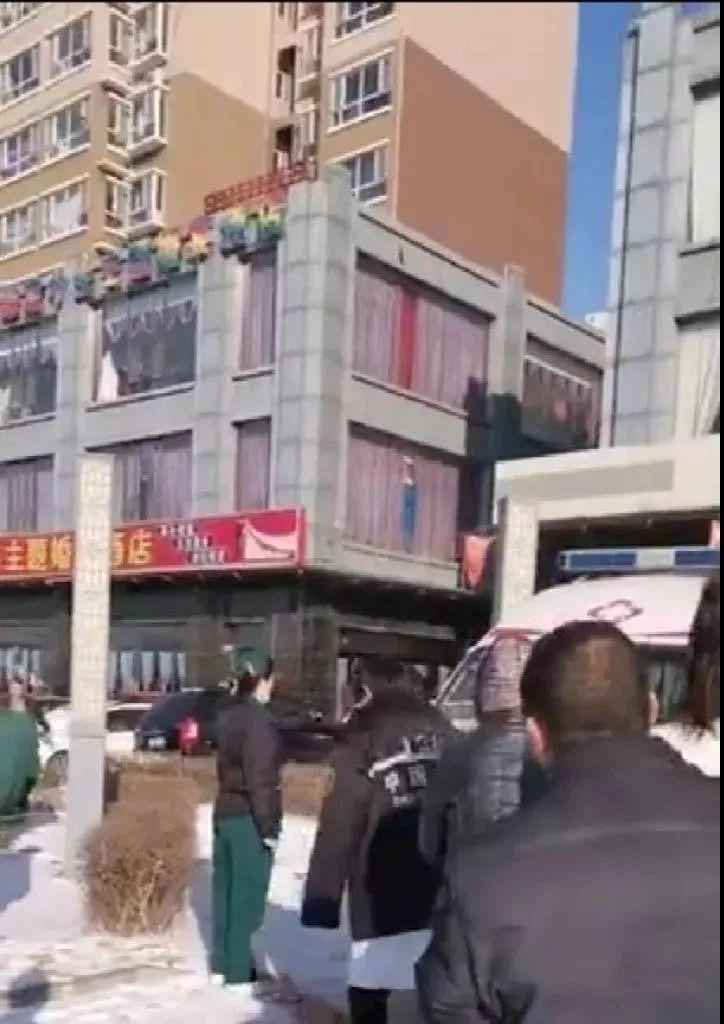 突�l!忻州:27�q男子疑似擦玻璃不慎�母����巧硗�...