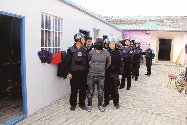 男子欠巨�~���后制售毒品被抓,湖北孝感警方破�@制、�毒大案