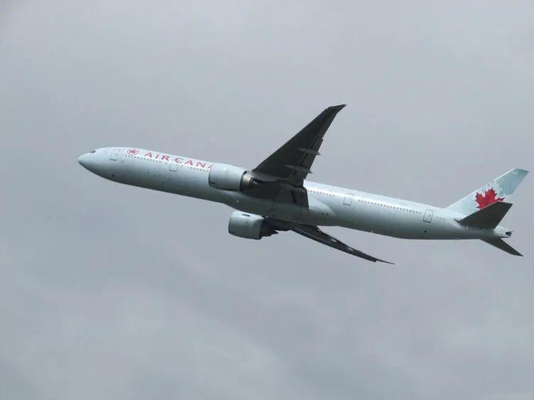 飞机出事故,为什么宁愿坠毁,也不让乘客跳伞?