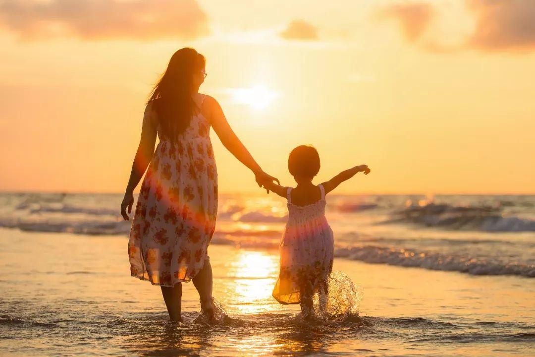 母�H的性格�Q定孩子的命�\,丈夫的��Q定母�H的性格!