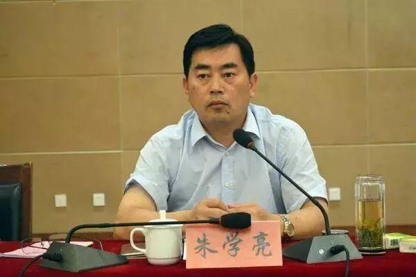 他是宿州人,曾�@全����秀�h委����Q�!�F任安徽省委政法委政治部主任