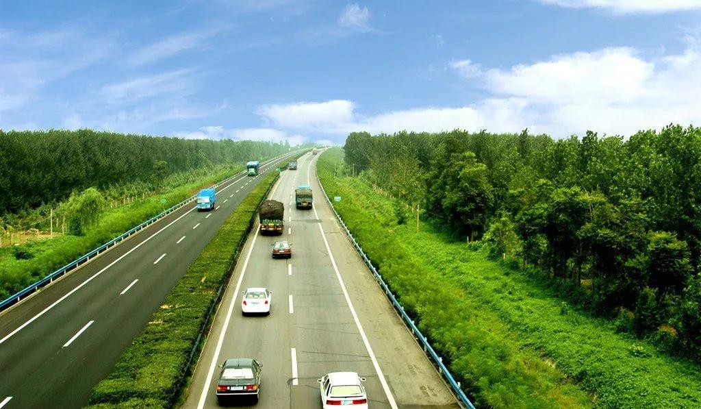 今后河南6类车上高速得交钱,这7类车通行费可减!