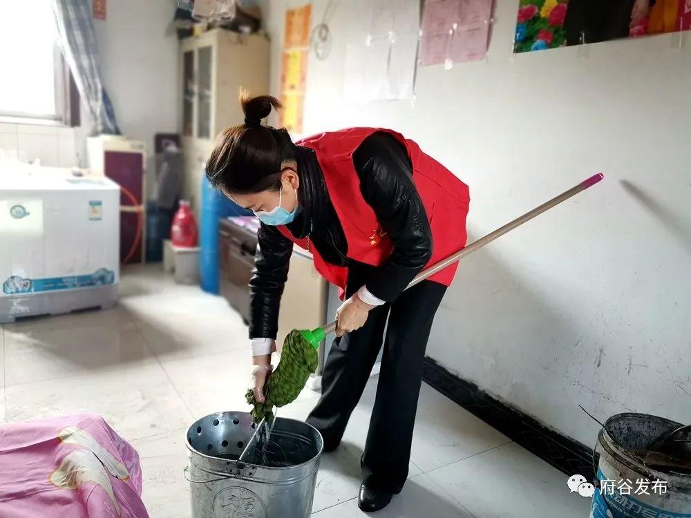 新民镇:志愿服务助力脱贫攻坚
