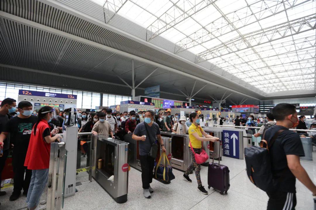 国庆假期7天,郑州铁路累计发送旅客322.4万人